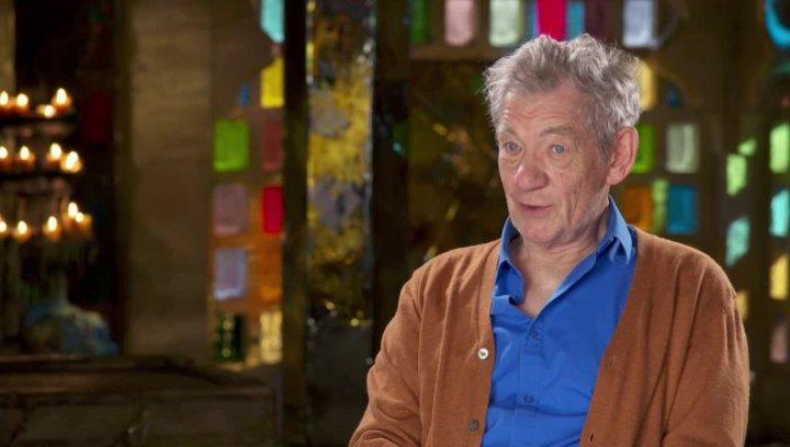 Ian McKellen - Magneto - darüber, seine Rolle an verschiedenen Punkten in seinem Leben zu sehen - OV-Interview Poster