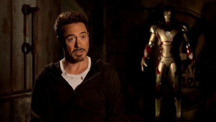 Robert Downey Jr - Tony Stark und Iron Man - über Regisseur Shane Black - OV-Interview Poster