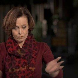 Sigourney Weaver über Ridley Scott - OV-Interview Poster