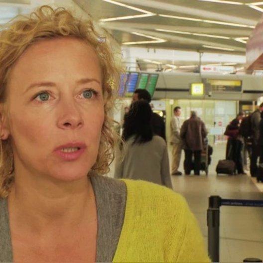 Katja Riemann Uschi über Autor und Regisseur Bora Dagtekin - Interview Poster