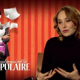 Deborah Francois (Rose Pamphyle) über die Beziehung Rose zu Louis - OV-Interview Poster