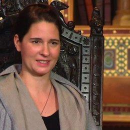 Katharina Schoede - Drehbuchautorin und Produzentin - über Jannis Niewoehner - Interview Poster