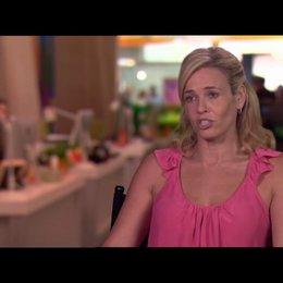 Chelsea Handler - Trish - über die Rolle, die ihr Charakter spielt - OV-Interview Poster