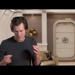 Kevin Bacon über das Produktionsdesign des Films - OV-Interview Poster