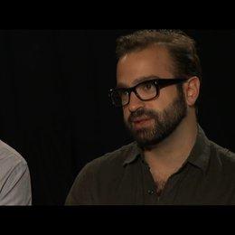 Josch Mond, Sean Durkin und Antonio Campus über den Namen des Films - OV-Interview Poster