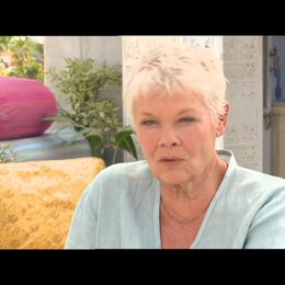 Judi Dench - Evelyn - über ihre Rolle - OV-Interview Poster