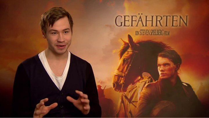 David Kross (Gunther) über das Pferd Joey - Interview Poster