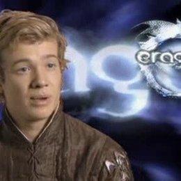 """Interview mit Ed Speleers über seine Figur """"Eragon"""" und deren Ähnlichkeit mit seiner eigenen Person - OV-Interview Poster"""