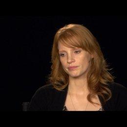 JESSICA CHASTAIN (Mrs OBrien) ihre Vorbereitungen auf die Rolle - OV-Interview Poster