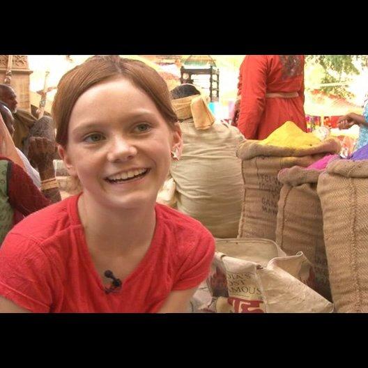 Alina Freund (Lilli) über die Tiere am Set - Interview Poster