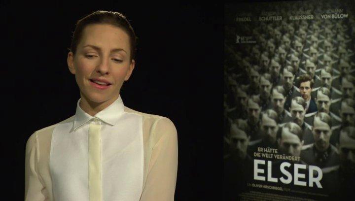 Katharina Schüttler (Elsa) darüber wie sie Elsa beschreiben würde - Interview Poster