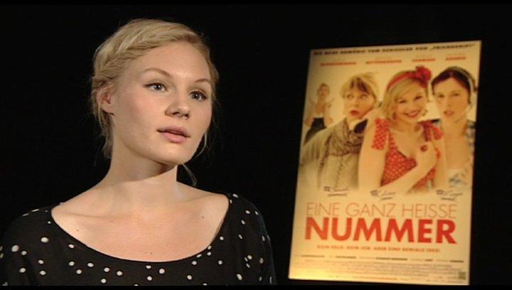 Rosalie Thomass über Emanzipation - Interview Poster