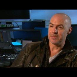 Gary McKendry (Regisseur) über die Recherche mit Ex-SAS Männern - Interview Poster