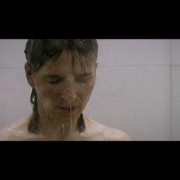 Juliette Binoche unter der Dusche - Szene Poster