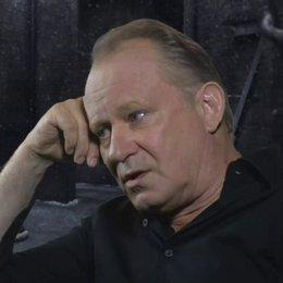 STELLAN SKARSGARD - Seligman - wie Sex im Film genutzt wird - OV-Interview Poster