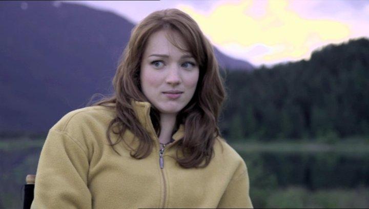 Kristen Conolly über die Herausforderung ihre Rolle zu spielen - OV-Interview Poster