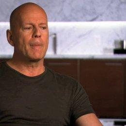 Bruce Willis über Familiengeheimnisse - OV-Interview Poster
