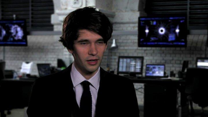 Ben Wishaw über seine Rolle - OV-Interview Poster