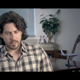 Jason Reitman - Regisseur und Drehbuchautor / über die Arbeit mit George Clooney - OV-Interview Poster