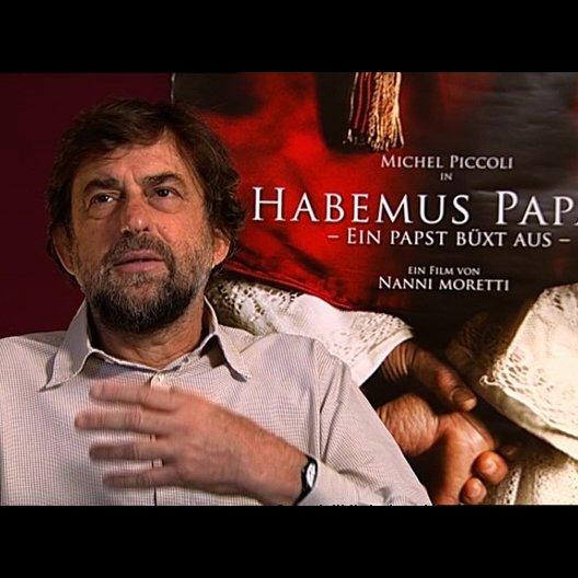 Nanni Moretti (Regie) über die Besetzung von Michel Piccoli - OV-Interview Poster