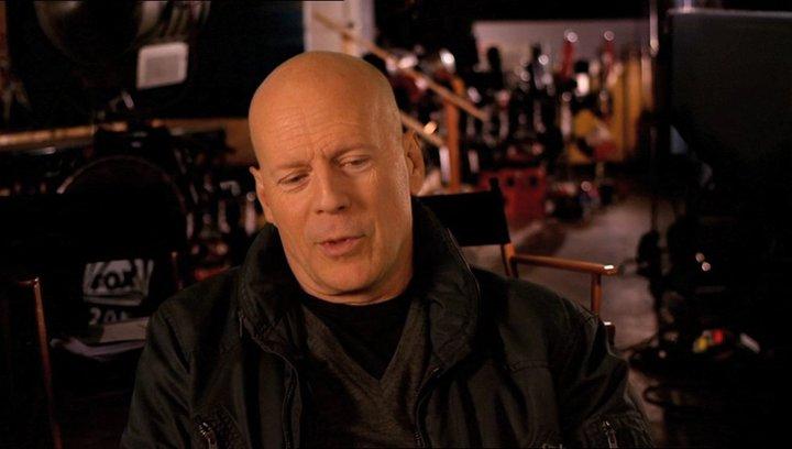 Bruce Willis (John McClane) über den Film - OV-Interview Poster