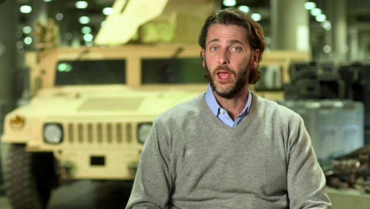 Andrew Forn - Produzent - über den Bau des Höhlen-Set - OV-Interview Poster