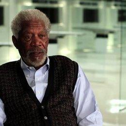 Morgan Freeman über die Plausibilität von Wissenschaft und Technik im Film - OV-Interview Poster