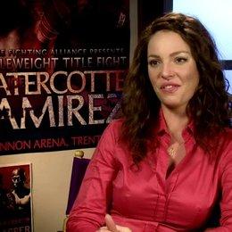 04 KATHERINE HEIGL -Stephanie Plum- über DEBBIE REYNOLDS als Grossmutter Mazur - OV-Interview Poster
