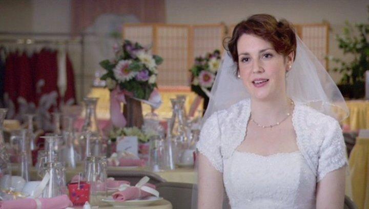 Melanie Lynskey - Julie Bingham / über die Rolle des Ryan Bingham - OV-Interview Poster