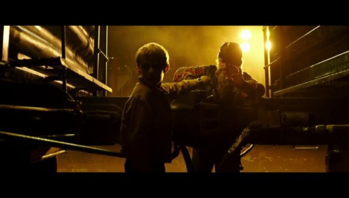 T.S. Spivet (Kyle Catlett) trifft Landstreicher 'Zweite Wolke' (Dominique Pinon) - Szene Poster