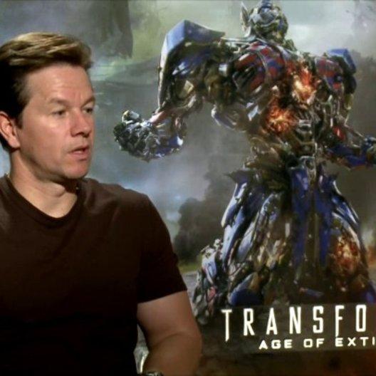 Mark Wahlberg - Cade Yeager - über die Action im Film - OV-Interview Poster