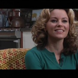 Interview mit Elizabeth Banks (Miri) - OV-Interview Poster
