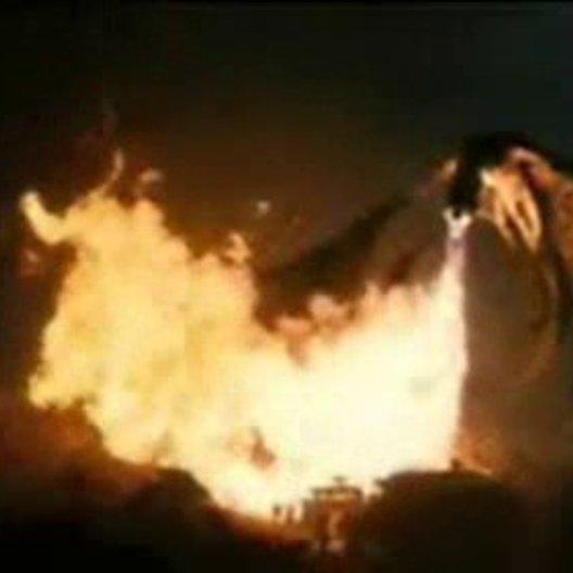 Die Herrschaft des Feuers - Trailer Poster