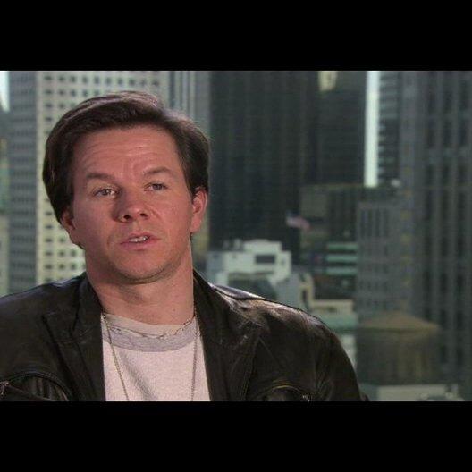 """Mark Wahlberg - """"Terry Hoitz"""" über wie er zu seiner Rolle kam - OV-Interview Poster"""