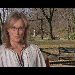 Meryl Streep - über Julia als Pionierin der Fernsehköche - OV-Interview Poster