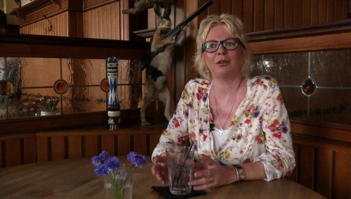 Rita Falk - Roman-Autorin - wie es zu ihrer Krimi-Reihe rund um den Dorfpolizisten Franz Eberhofer kam - Interview Poster
