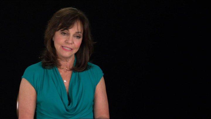 Sally Field (Mary Todd Lincoln) über Elizabeth Keckley - OV-Interview Poster