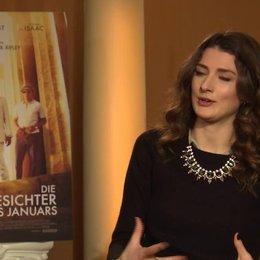 Daisy Bevan - Lauren - über die Kostueme und das Set - OV-Interview Poster