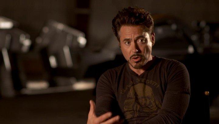 Robert Downey Jr - Tony Stark - Iron Man über Marvels Auswahl der grossartigen Regisseure - OV-Interview Poster