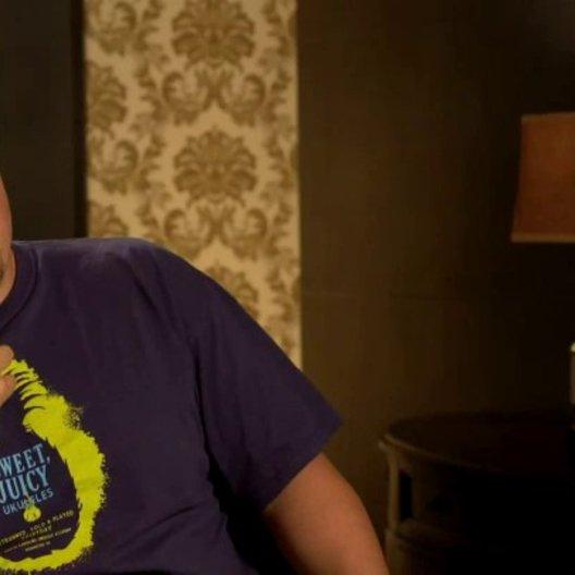 Jon Favreau - Happy Hogan - über den wiedervereinten Gast - OV-Interview Poster