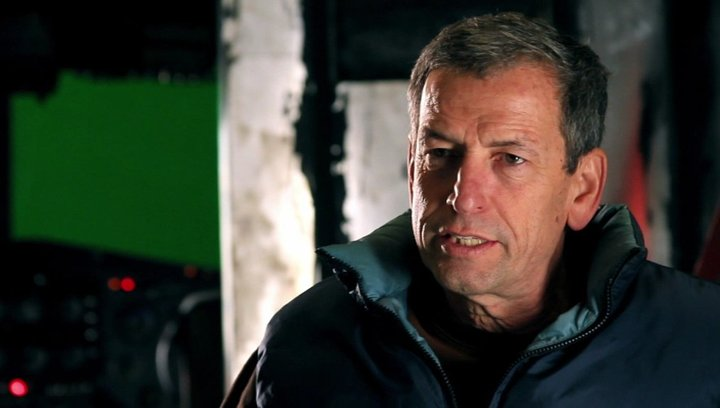 Danny Lerner -Produktion- über die Action in The Expendables 2 - OV-Interview Poster