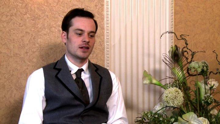 Florian Bartholomaei -  Paul de Villiers -  warum man sich Saphirblau ansehen sollte - Interview Poster