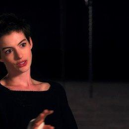 Anne Hathaway über Fantine - OV-Interview Poster