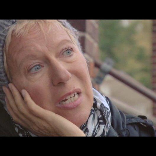 Doris Dörrie / Regie - über den Aufwand bei dieser Produktion - Interview Poster