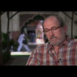 "Richard Jenkins (""Richard aus Texas"") über Julia Roberts - OV-Interview Poster"