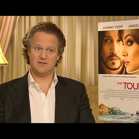 Florian Henckel von Donnersmarck (Regisseur) über Angelina Jolies Rolle - Interview Poster
