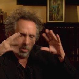 Tim Burton - Regisseur - darüber wie er schließlich Teil des Projektes wurde - OV-Interview Poster
