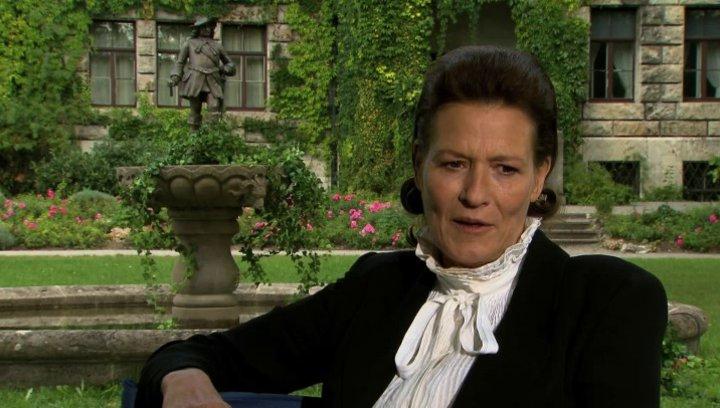 Suzanne von Borsody über ihre Rolle Mägerlein - Interview Poster
