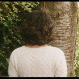 Nathalie zeigt Markus den Garten ihrer Kindheit - Szene Poster