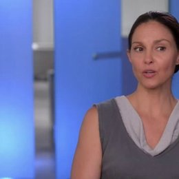 Ashley Judd - Natalie - über die Identifikation mit Tris Reise - OV-Interview Poster